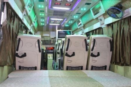 Delhi to Manali Tempo Traveller