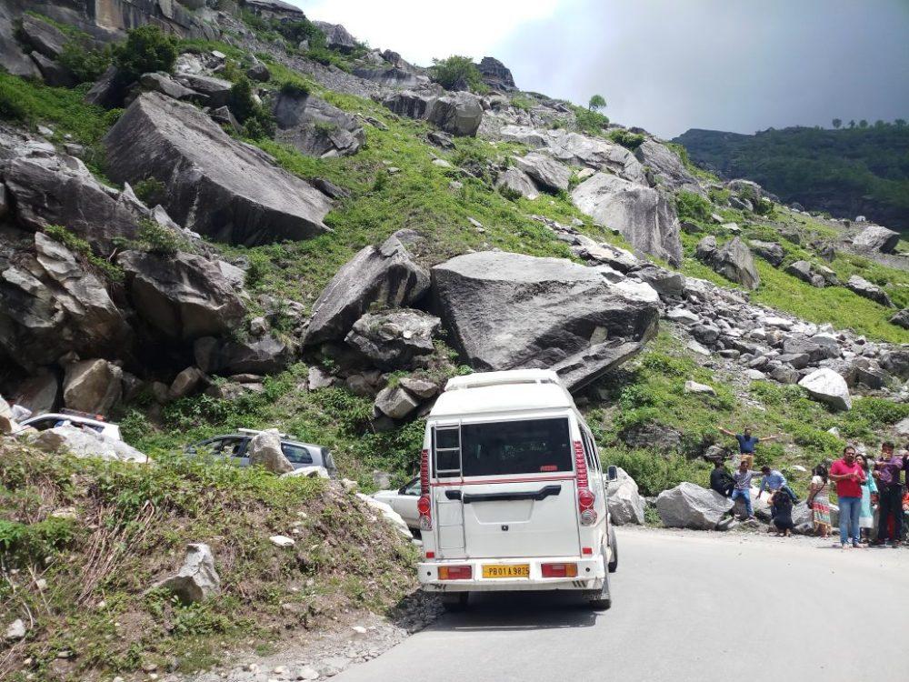 tempo traveller in north delhi